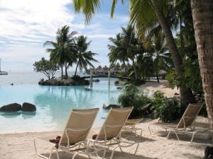 Intercontinental in Tahit sand bottom infinity pool