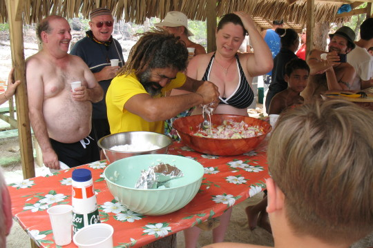 Siki and Julia making ceviche at Motu picnic10